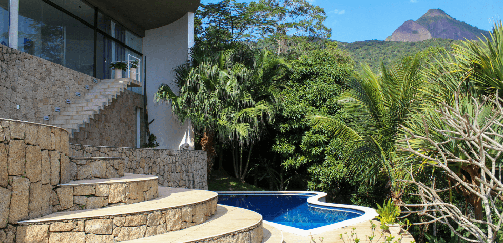 Casa de-alto padrao em Ilhabela piscina
