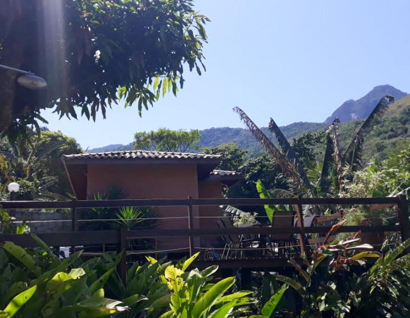 Casa-terrea-na-vila-em-ilhabela-capa